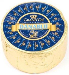 Сыр с голубой плесенью Дана Блю 100 гр. 50% Россия